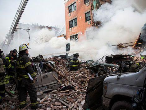 Explosión y derrumbe de un edificio en Nueva York: dos muertos