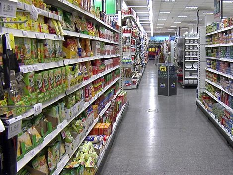 Gobierno y empresas acordaron congelar precios dos meses y medio