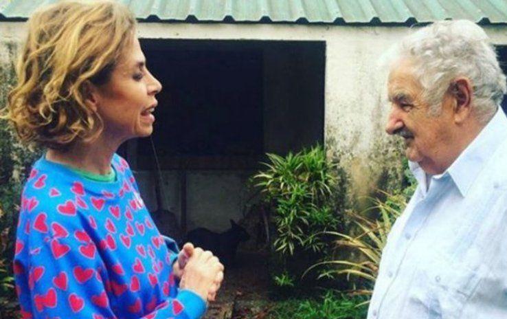 Ruiz de la Prada visitó a Mujica en su chacra de Rincón del Cerro.