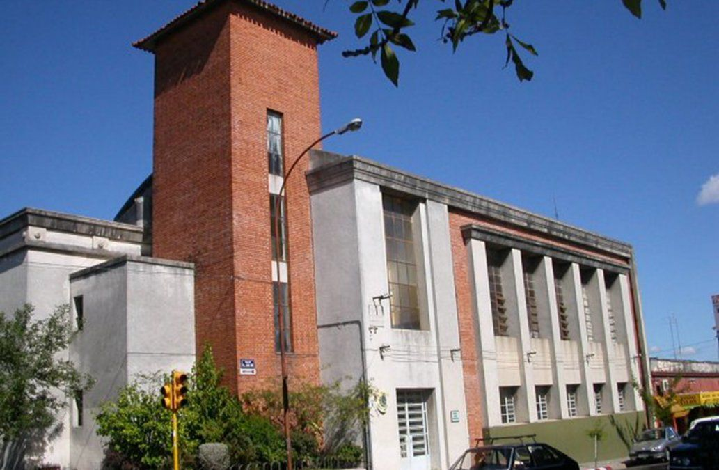 Estudiante intentó atacar con un cuchillo al director de UTU en Paysandú