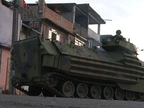 En 15 minutos policía de Río tomó favelas ocupadas por narcos