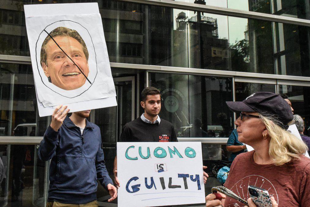 Manifestaciones contra Cuomo en Nueva York el 4 de agosto de 2021