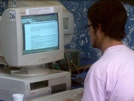 Portales de Internet igualan a diarios en cantidad de lectores