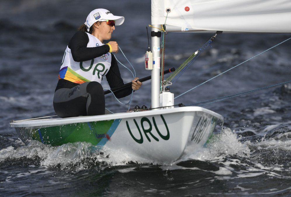 Velerista Lola Moreira tuvo un día complicado en los Juegos Olímpicos y bajó 6 posiciones en la tabla general
