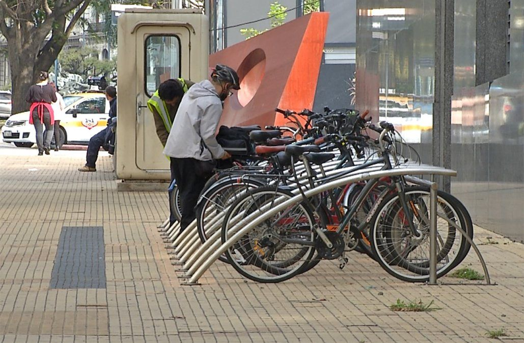IMM posterga por 6 meses la obligatoriedad de tener estacionamiento para bicis