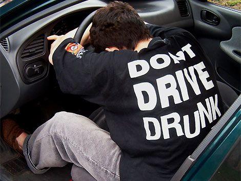 En noche de la nostalgia consejos sobre el alcohol y el tránsito
