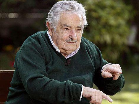 """Mujica sobre aborto: """"Es hipócrita dejar a las mujeres aisladas"""""""