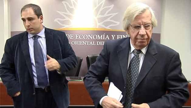 """Astori defendió rebaja """"importante"""" del IRPF: hasta $27.000 no pagan"""