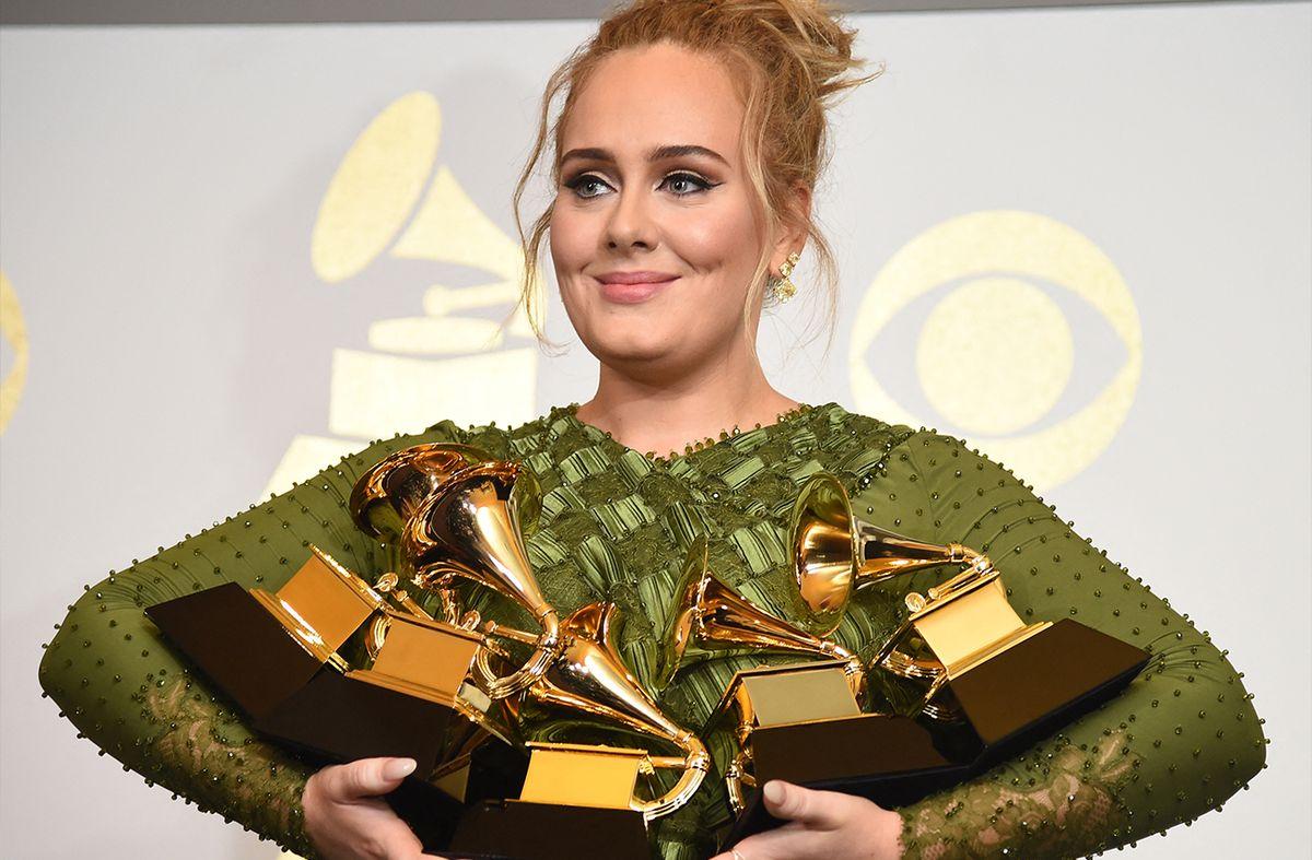 Adele anunció que el 19 de noviembre publicará 30, su nuevo disco