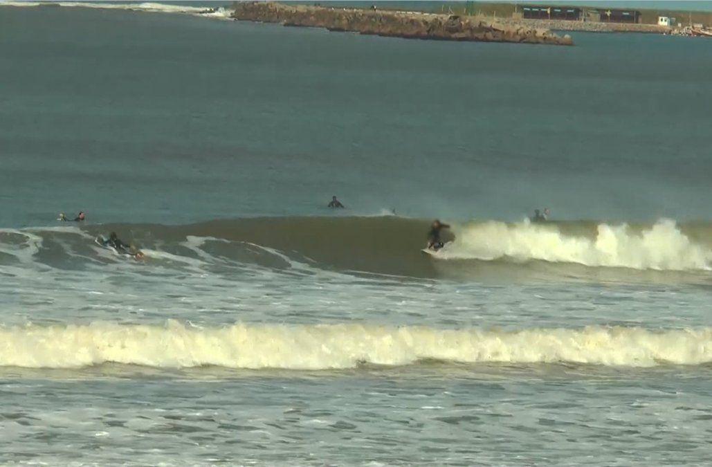 Surfista con Covid-19 tuvo un accidente en el agua y fue asistido por Prefectura