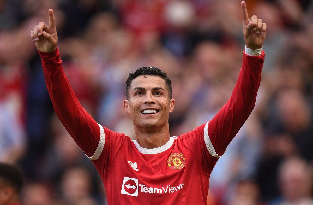 Cristiano Ronaldo debutó en el United con doblete