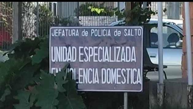 Hombre denunció a su esposa por agredirlo con un serrucho en Salto