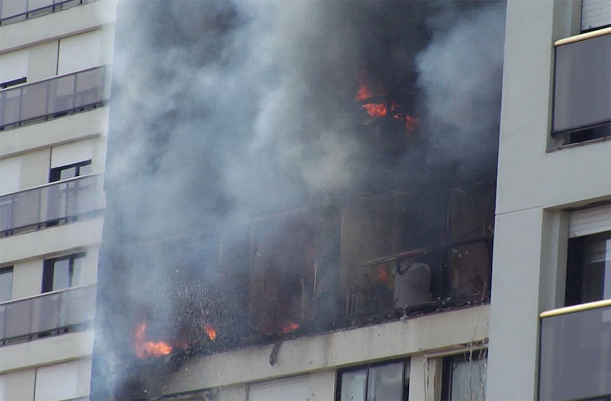 Bomberos alertan del peligro de bajar por las escaleras en caso de incendios en edificios
