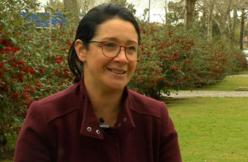 Ajedrez como herramienta de aprendizaje; Andrea enseña a jóvenes y adultos