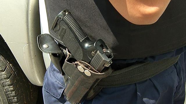 Vestidos de policías robaron $ 300.000 de supermercado de Parque Batlle