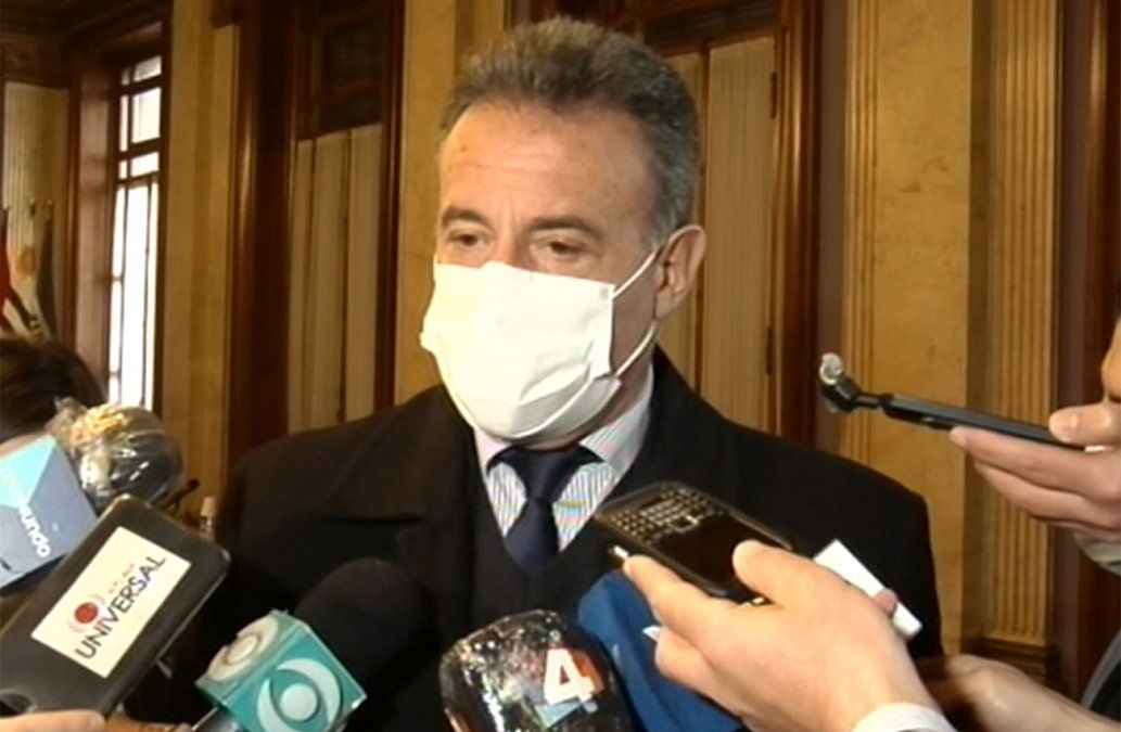 Salinas dice negativo central ante el pedido de OMS de retrasar la tercera dosis
