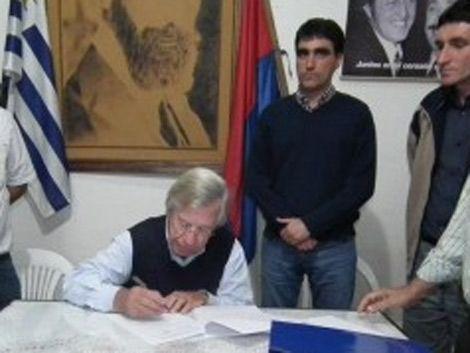 Astori acusó a diputado de irse con Sendic a cambio de dinero