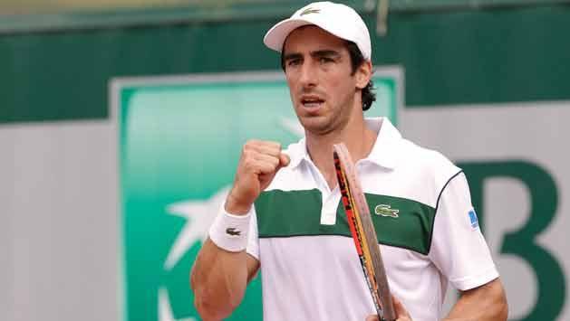 Pablo Cuevas debutó con victoria en Roland Garros