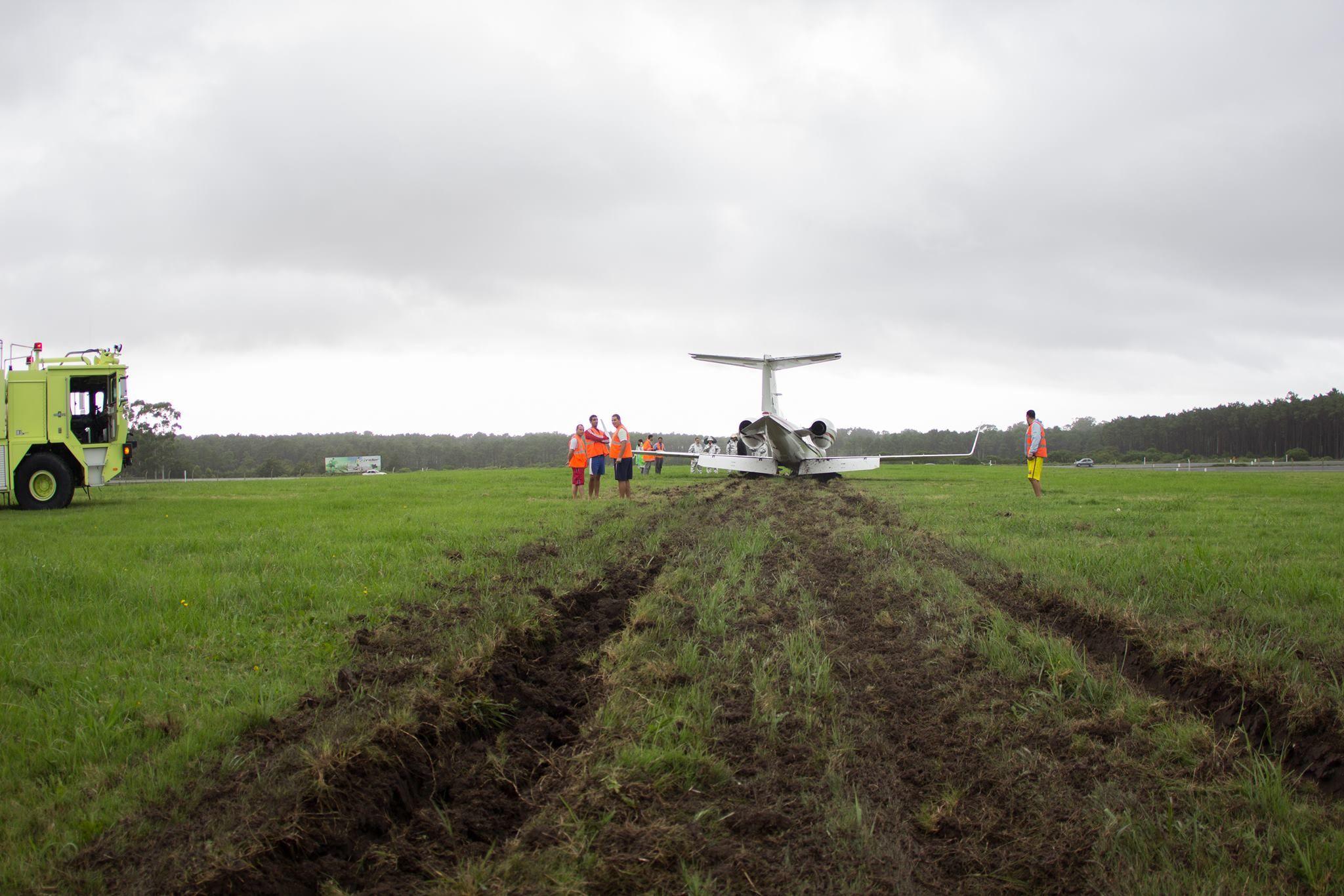 Avión se pasó de pista: aterrizó de emergencia en Laguna de Sauce