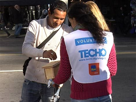 El PIT-CNT y Techo acordaron trabajar juntos en vivienda