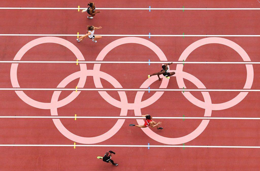 Eliminatoriasde 100 metros femeninos durante los Juegos Olímpicos de Tokio 2020