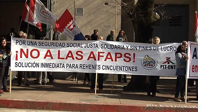 Director del BPS propone ley para que cincuentones puedan salir de las AFAP