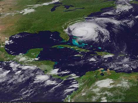 Nueva York: ordenan evacuar a 250.000 personas por huracán Irene