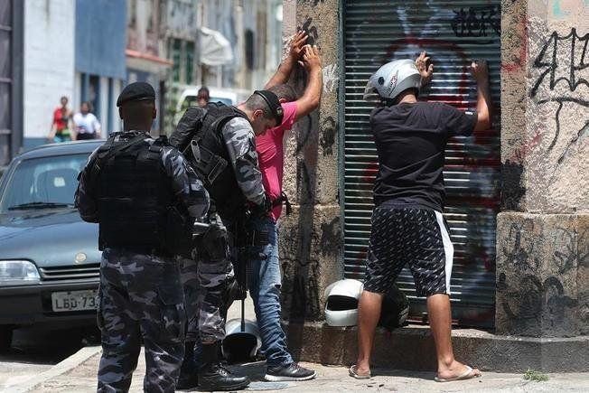 Operativo policial contra mafias locales deja 17 muertos en Manaos