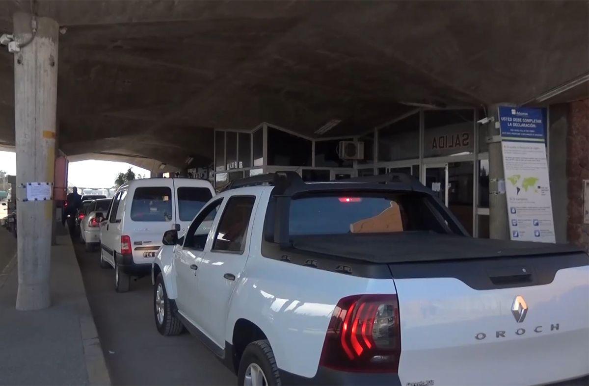 Argentina anunciará a fin de mes reapertura de fronteras y Uruguay prepara medidas para atraer turistas