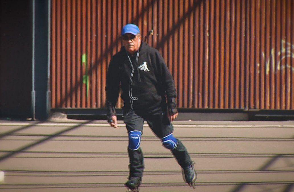 Hugo comenzó a patinar con 66 años gracias a su nieta