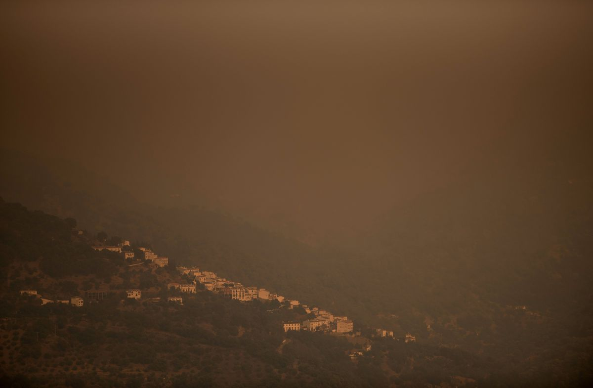 Nuevas evacuaciones por devastador incendio en España