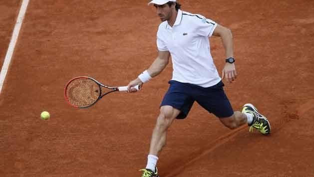 Cuevas disputa ante el francés Monfils su tercer partido en Roland Garros
