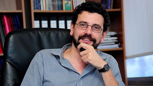 """Director del MEC renunció tras la polémica por el """"ADN"""" de la educación"""