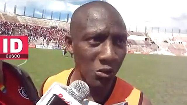 Insultan a jugador negro en Perú y le pegan a su madre en la tribuna