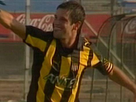 Peñarol analiza retirar la camiseta 8 en honor a Pacheco
