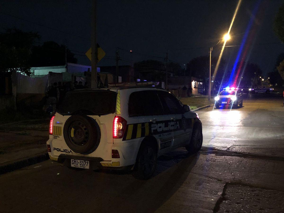 Un adolescente fallecido y otro herido tras ataque a balazos a una casa