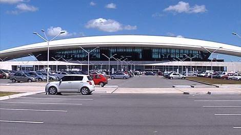 Hubo retrasos de vuelos, por conflicto de controladores en Buenos Aires