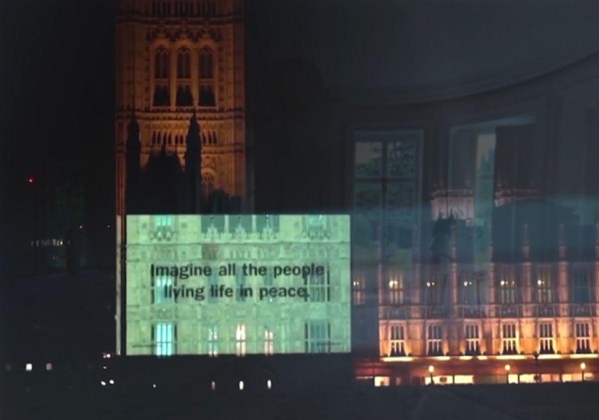 Imagine de John Lennon cumplió 50 años y su letra fue proyectada en edificios de todo el mundo