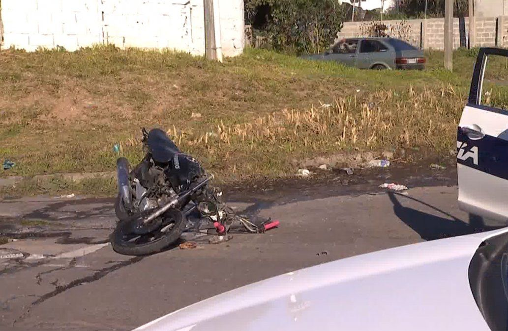 Un joven de 20 años falleció tras chocar contra una camioneta
