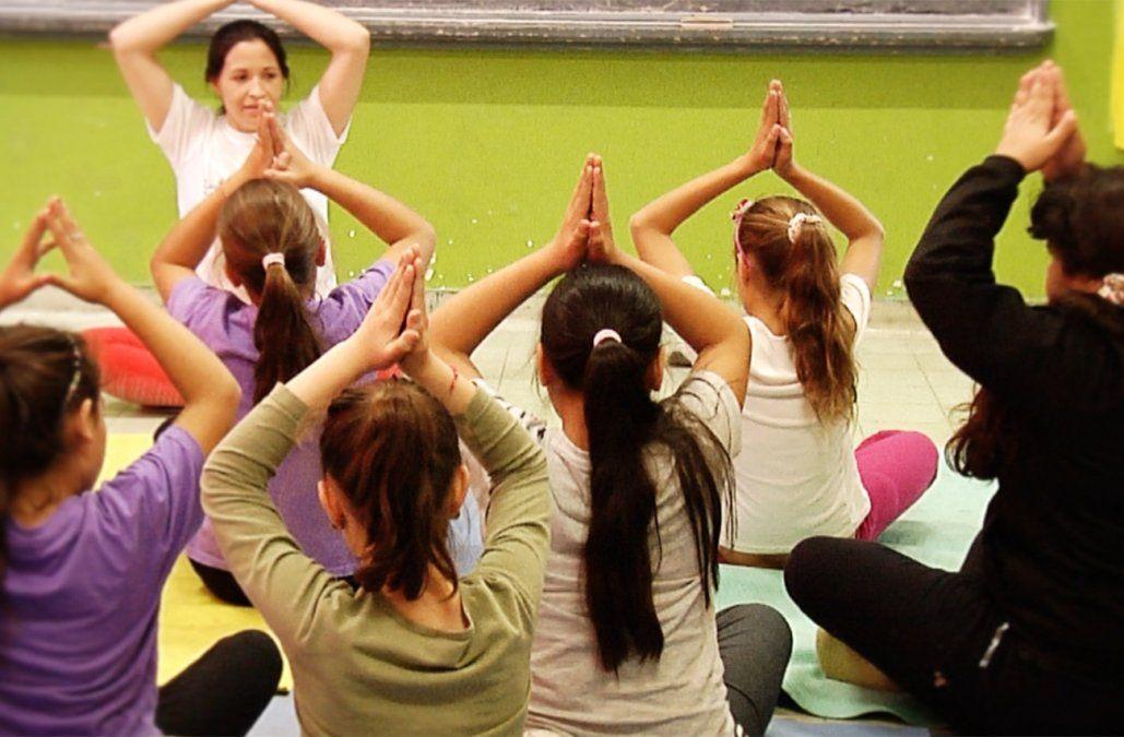 Diez escuelas se suman al proyecto de yoga deportiva para niños