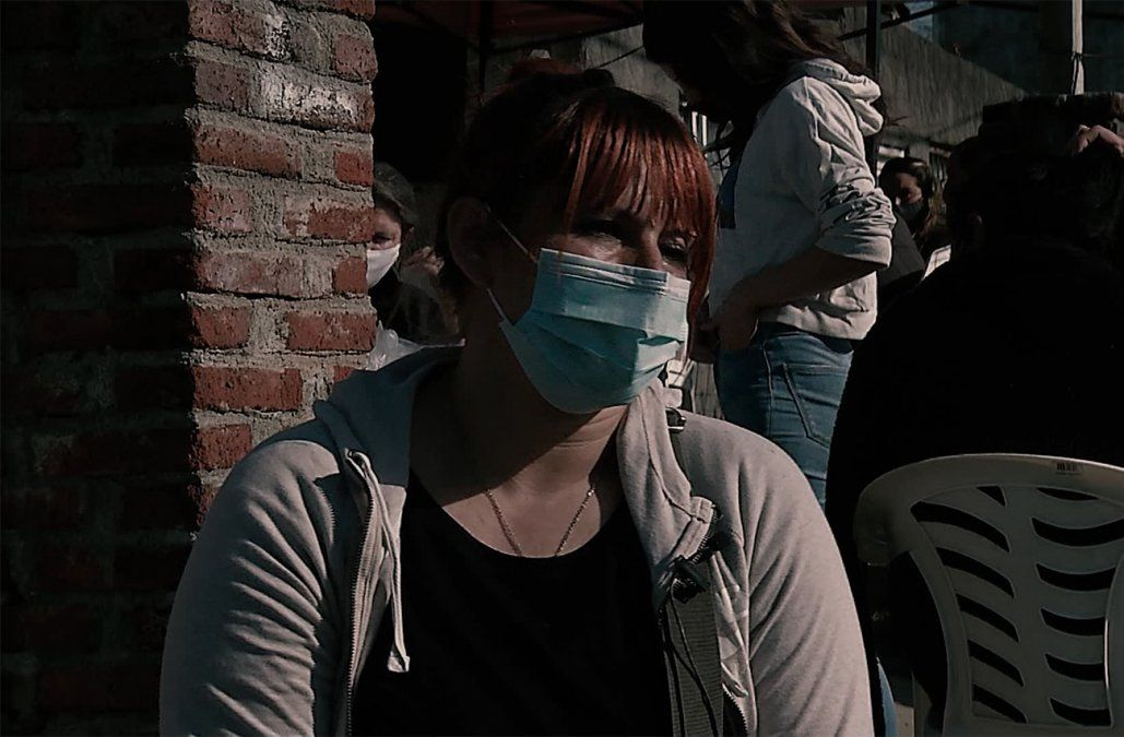 Ana, la referente del barrio El Monarca: coordina una olla popular y reclutó vacunados contra el Covid-19