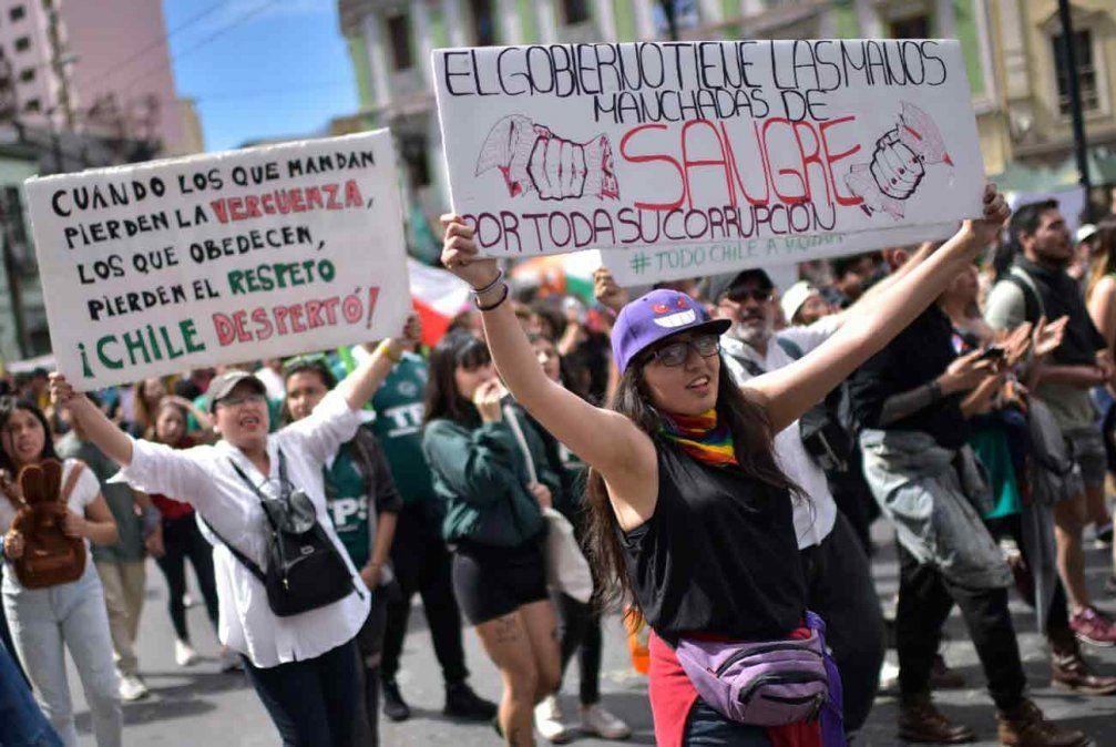 Piñera levanta estado de emergencia pero siguen las manifestaciones en Chile