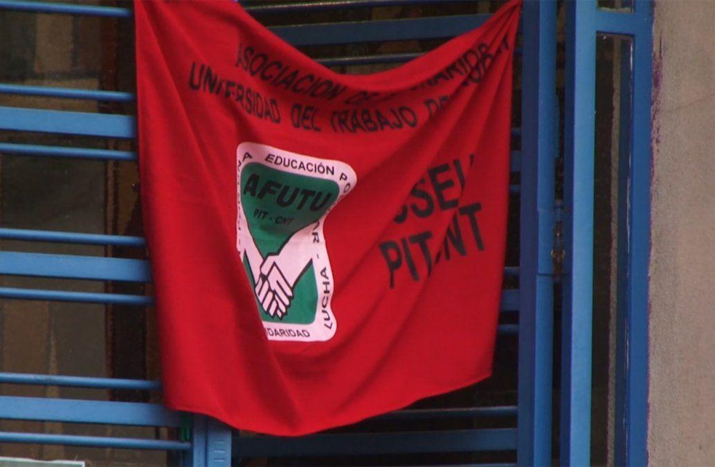 Ocupan UTU de Paysandú por estudiante que agredió con un cuchillo al director