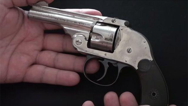Argentina: niña fue al jardín con un revólver cargado, pronto para disparar